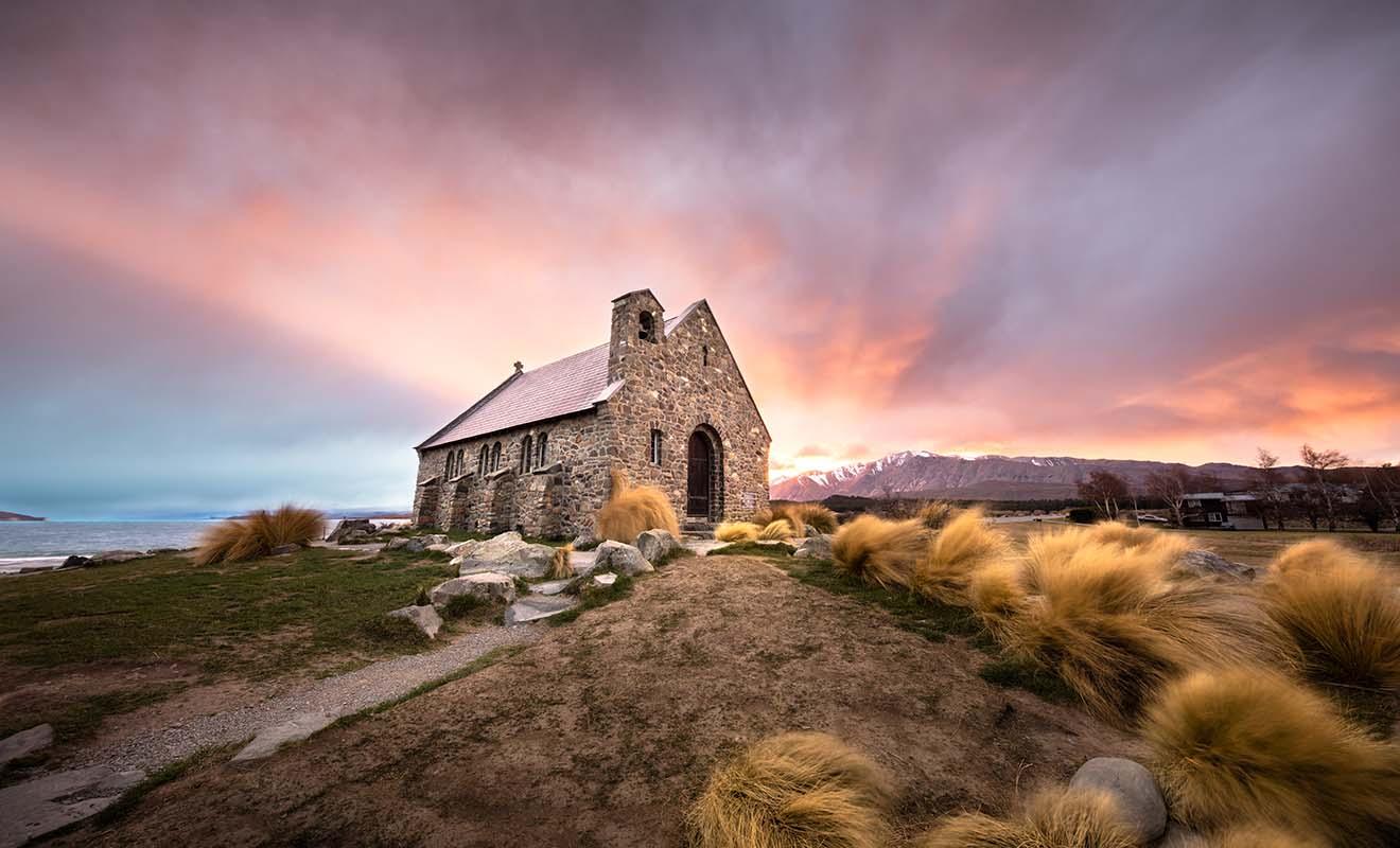 L'église du Bon-Berger près du lac Tekapo est l'une des plus photographiées du pays.