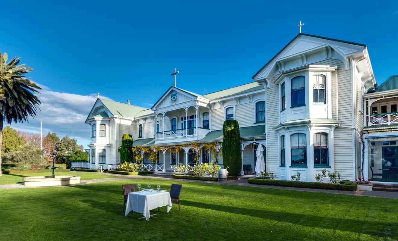 Mission Estate Winery est le vignoble de plus connu de la baie de Hawke.