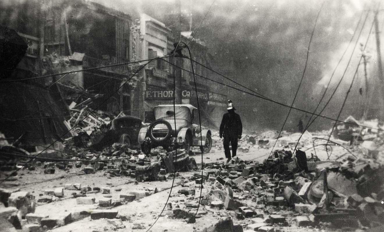Le terrible tremblement de terre qui a frappé Napier en 1931 a déclenché un gigantesque incendie et laissé la ville dans un état de ruine.