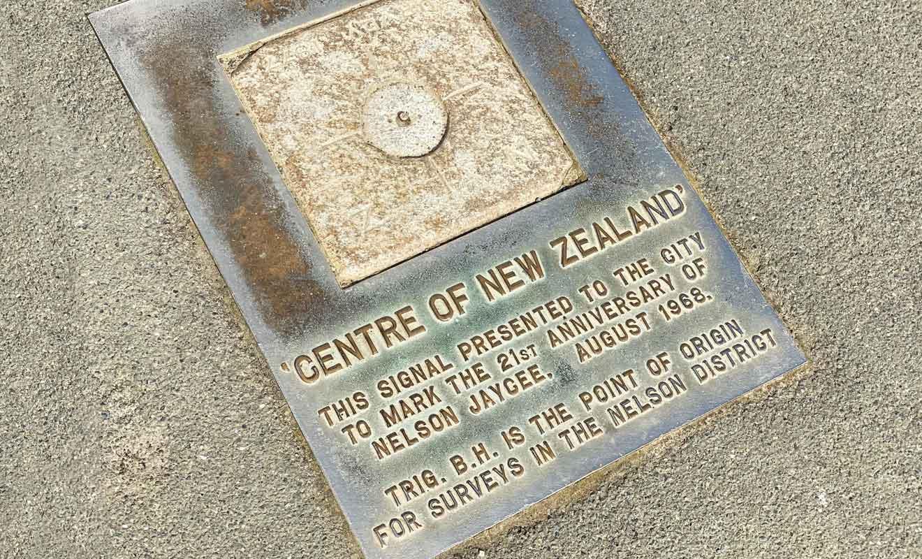 Peu importe si ce lieu marque ou non le centre de la Nouvelle-Zélande, il conserve son caractère historique.