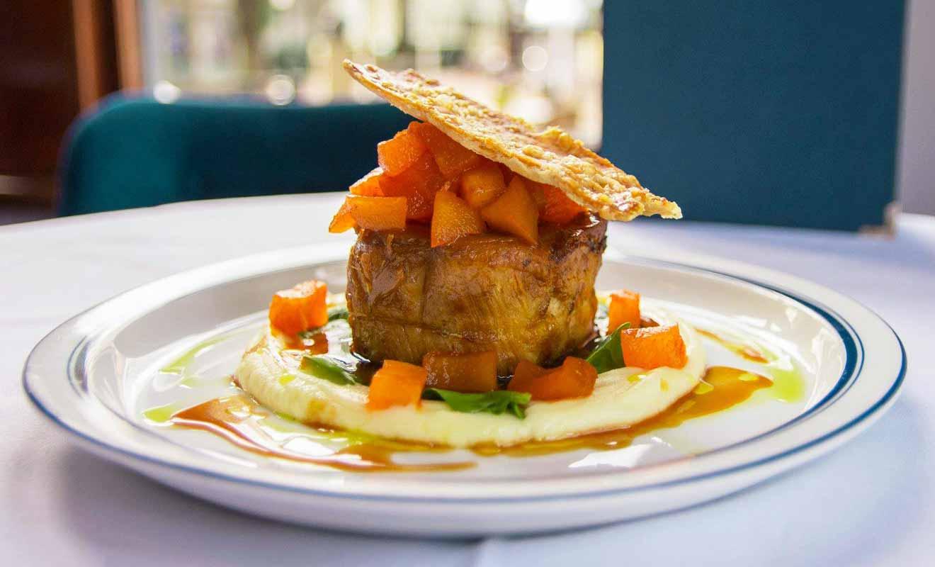 Même si la carte du restaurant fait la part belle au poisson ou aux fruits de mer, vous pouvez aussi commander des plats à base de viande.