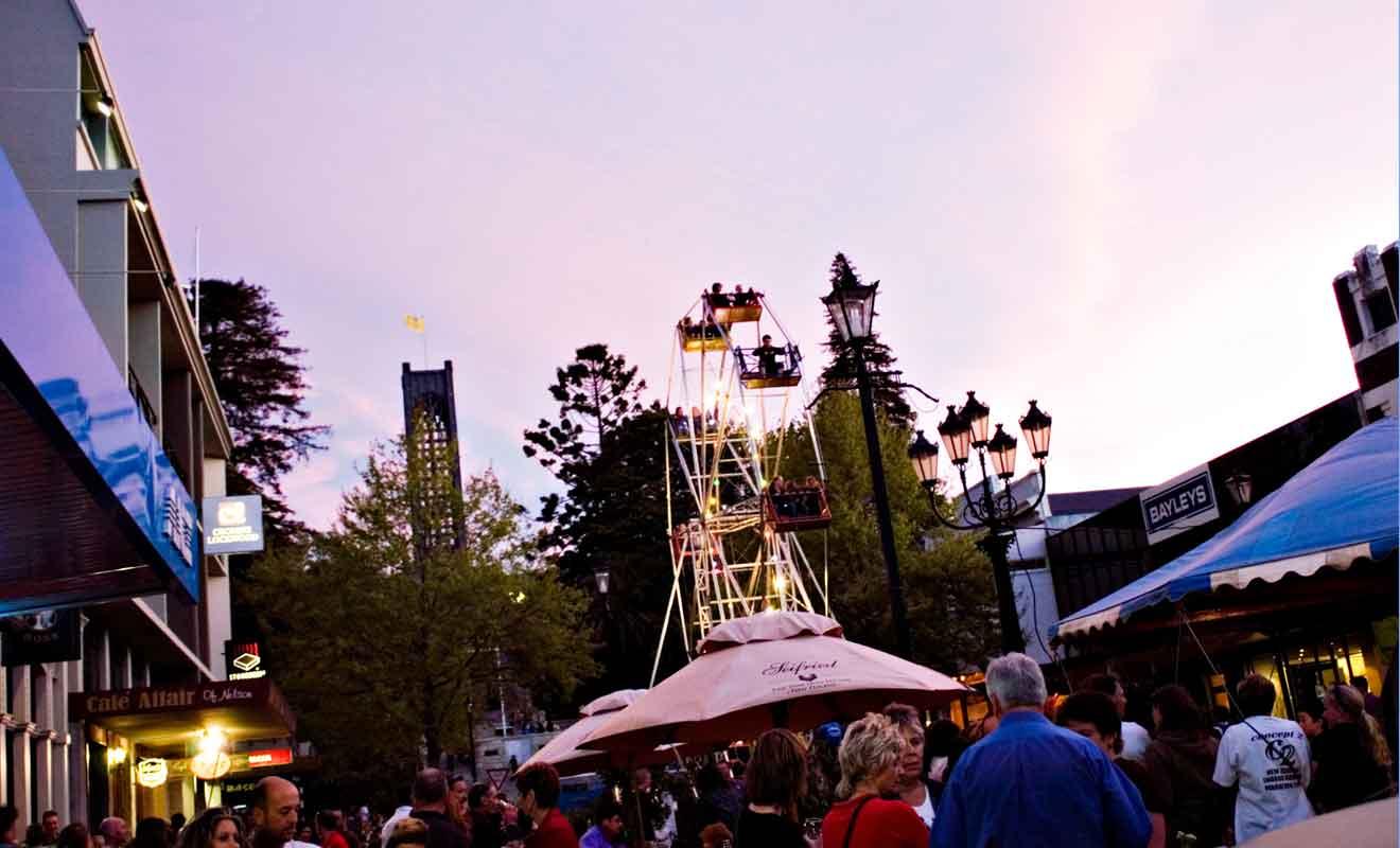 Concerts et festivals en tout genre sont organisés dans les rues de la ville en toute saison.
