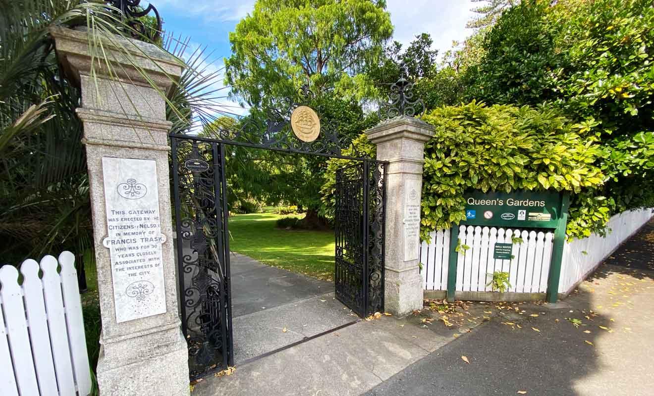 Queens Garden remplace un ancien marais où les Maoris venaient pêcher des anguilles.