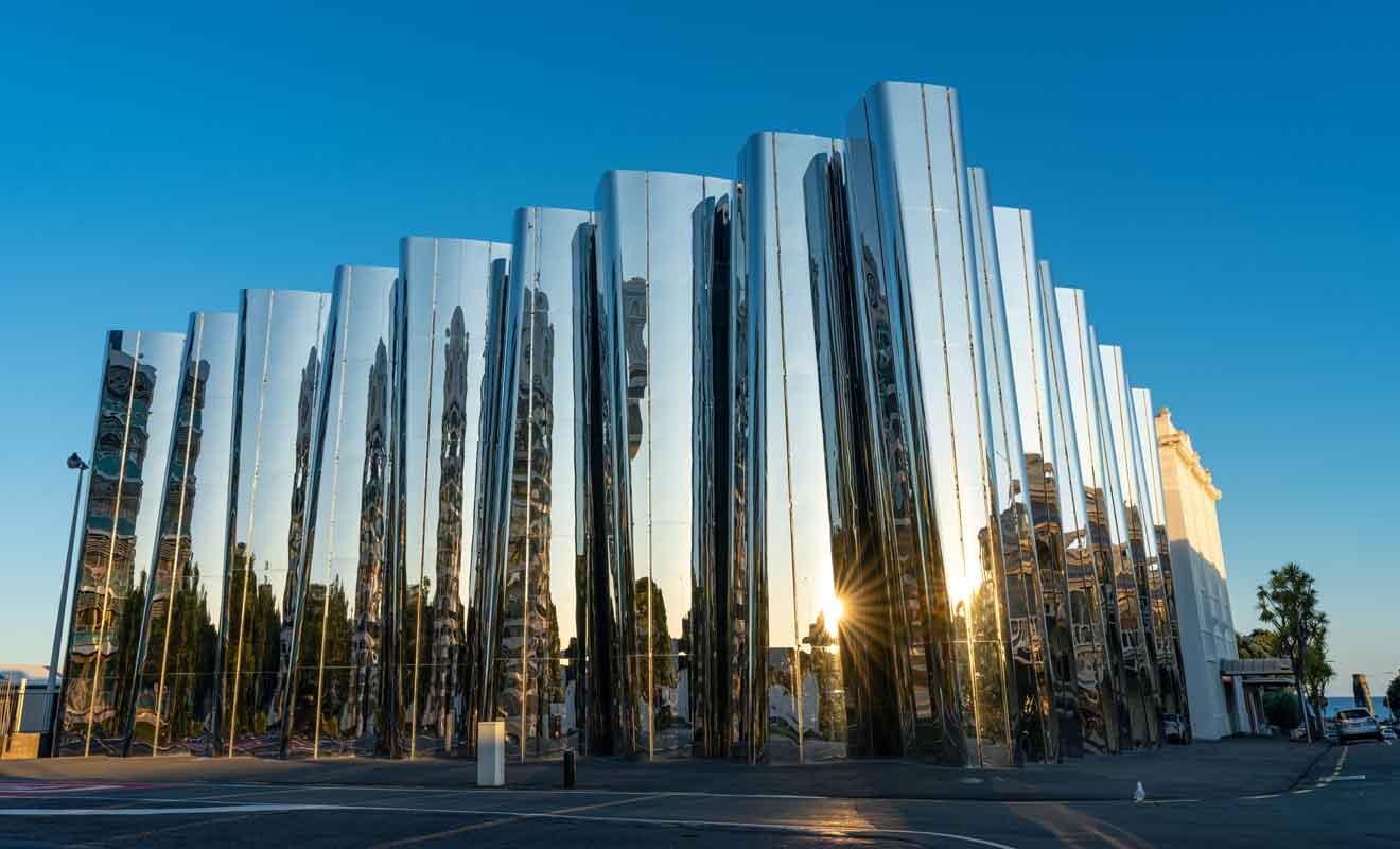 Ce musée d'art contemporain est consacré à un artiste néo-zélandais majeur.