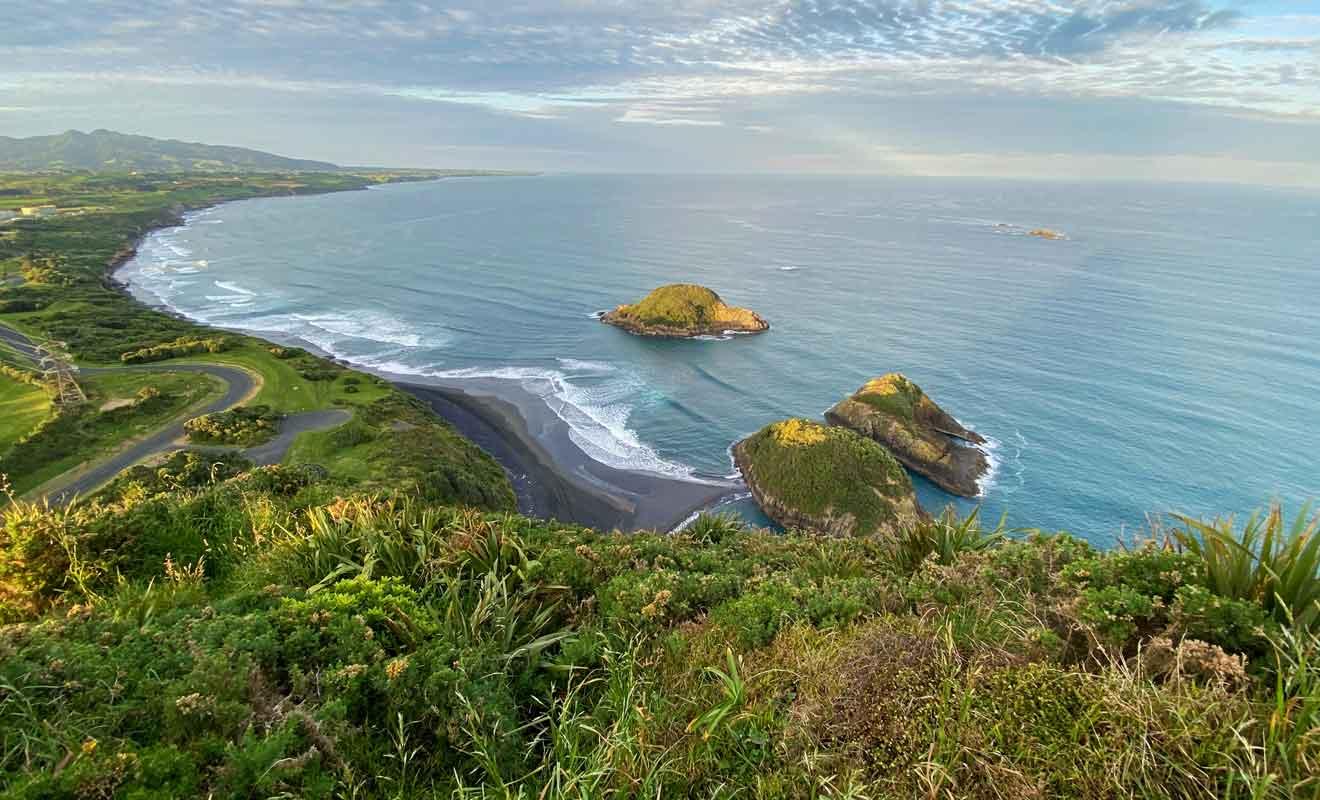 Le sommet était jadis occupé par un camp fortifié maori.