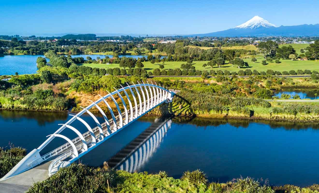 Conçu par Peter Mulqueen, ce pont audacieux est réservé aux pietons et aux cyclistes.