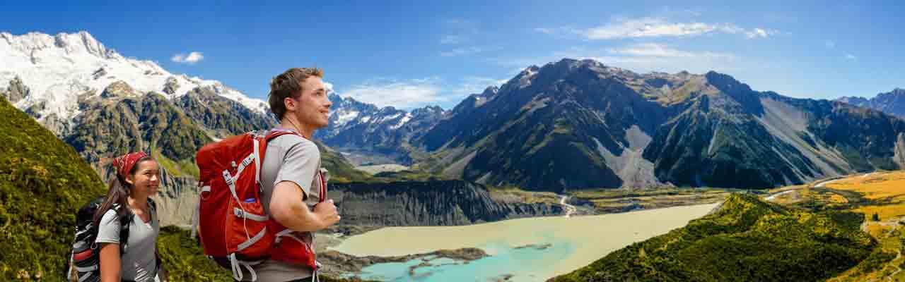 Randonnées au glacier Tasman dans la vallée du Mont Cook.