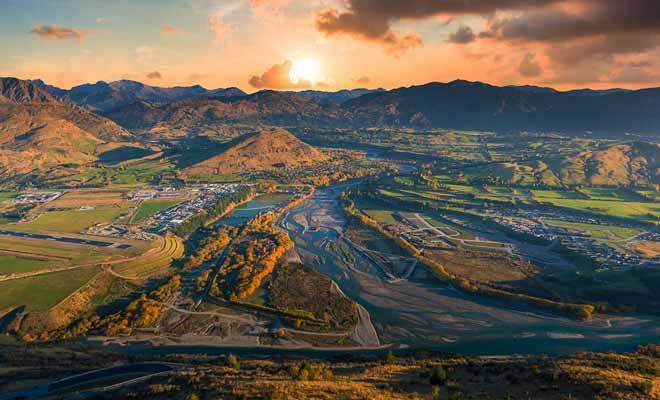 Toute la région connue une grande ruée vers l'or en 1862 qui vit fleurir de nombreux villages de prospecteurs qui furent désertés lorsque les filons s'épuisèrent.