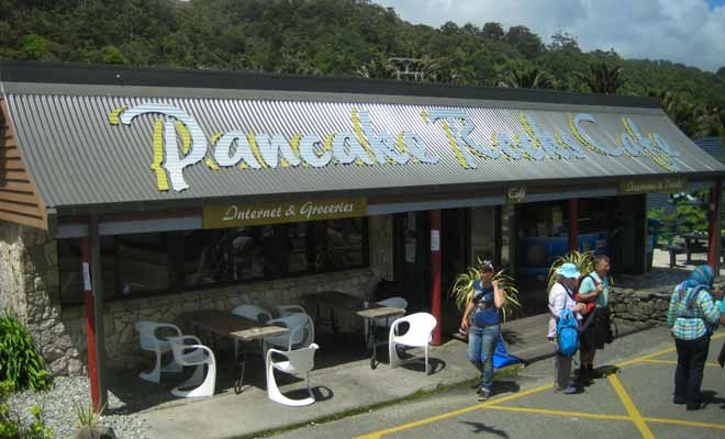 The Pancake Rocks Cafe allows you to pause before returning to the road or waiting for the tide to change.