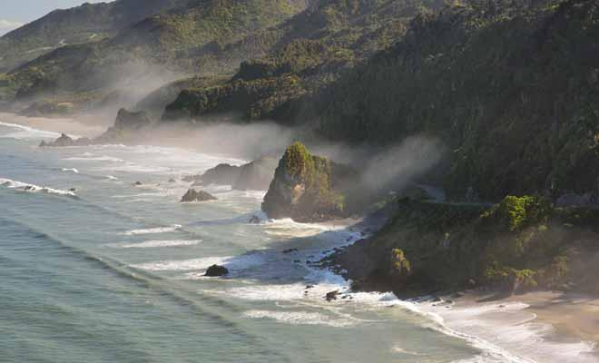 Meybille Bay se trouve à quelques kilomètres de Punakaiki. Renseignez-vous au iCenter pour connaitre les horaires des marées.