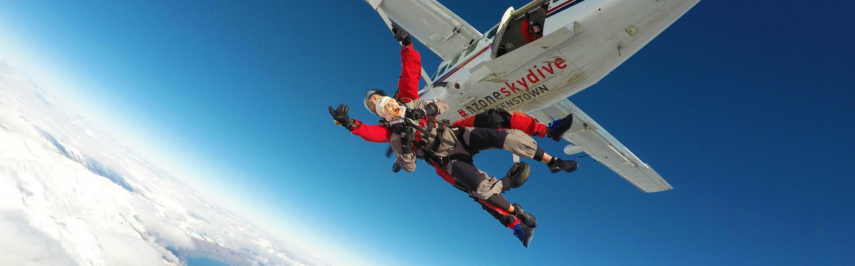 Saut en parachute au dessus de Queenstown.