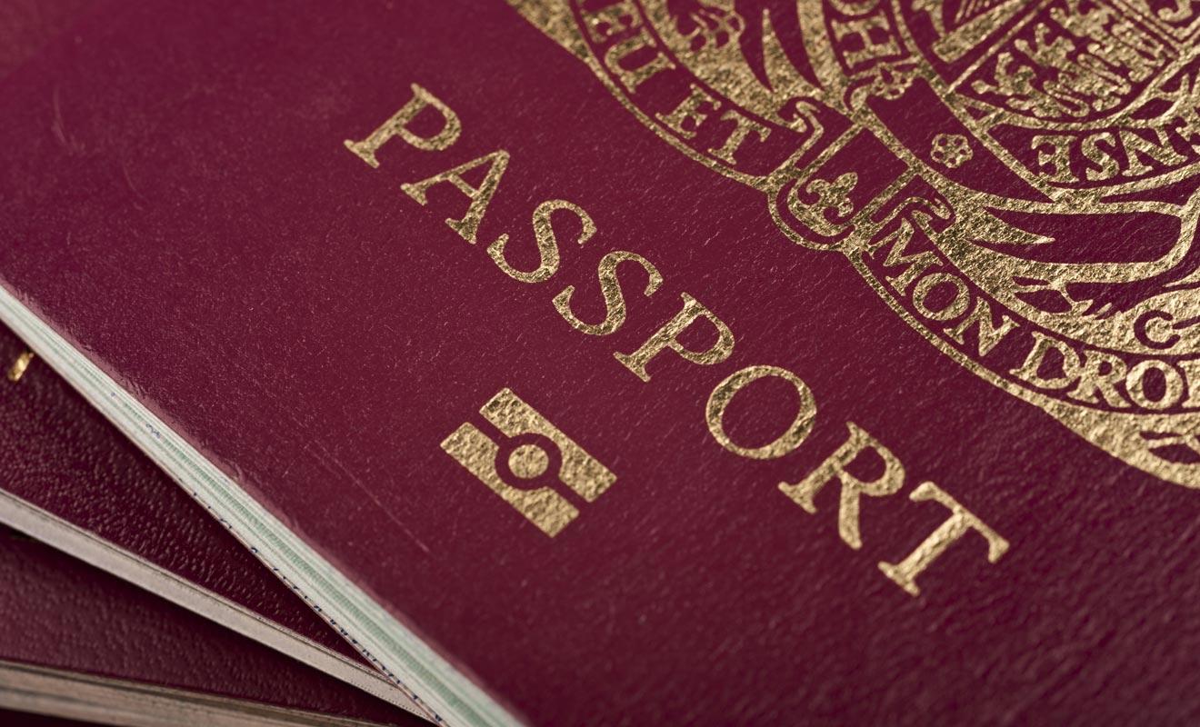 Votre passeport doit être valable au moins trois mois après la date de retour escompté dans votre pays d'origine.
