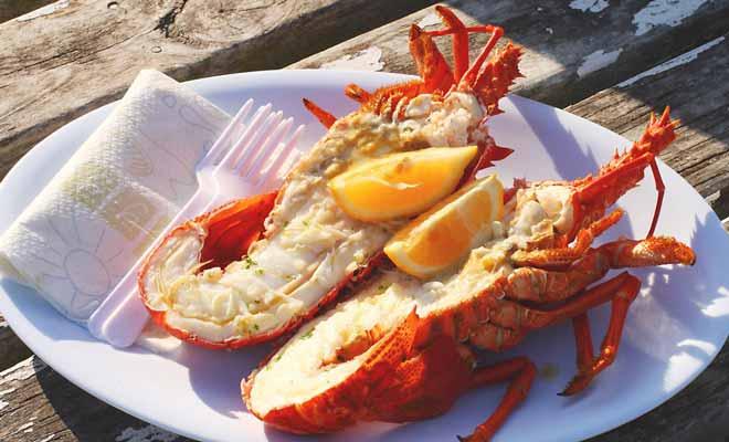 Si vous appréciez les langoustes, vous savez également que c'est un délice hors de prix. Kaikoura signifiant « repas de langouste » en maori, vous ne serez pas surpris de les trouver à moitié prix au Kaikoura Seafood BBQ.