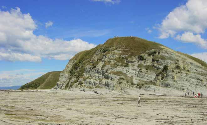 Le « pain de sucre » est un rocher que vous pourrez admirer en empruntant la « Kaikoura Peninsula Walkway ». Il est recommandé de ne pas chercher à l'escalader, car le terrain n'est sûr à cause de l'érosion. Cela n'empêche pas de nombreux voyageurs de passer outre.