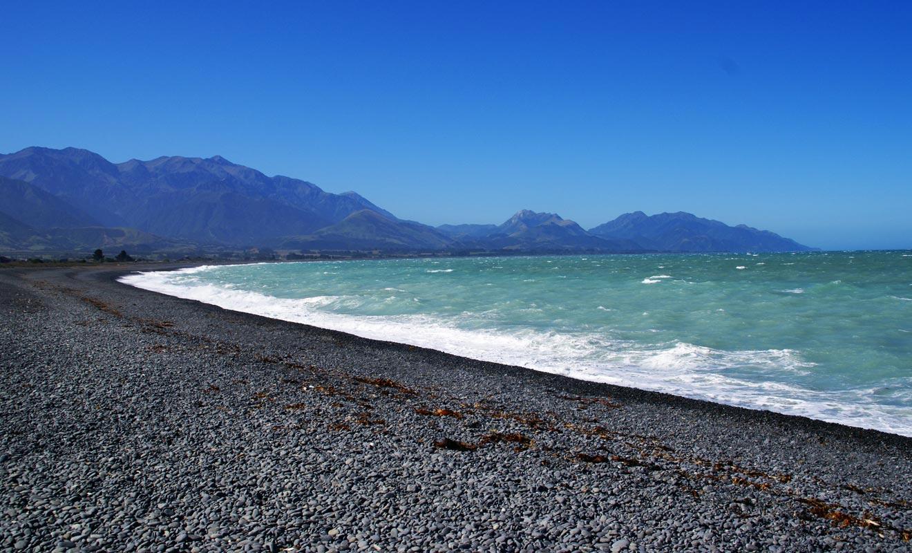 On trouve aussi bien des plages de galets que de sable fin dans la péninsule.