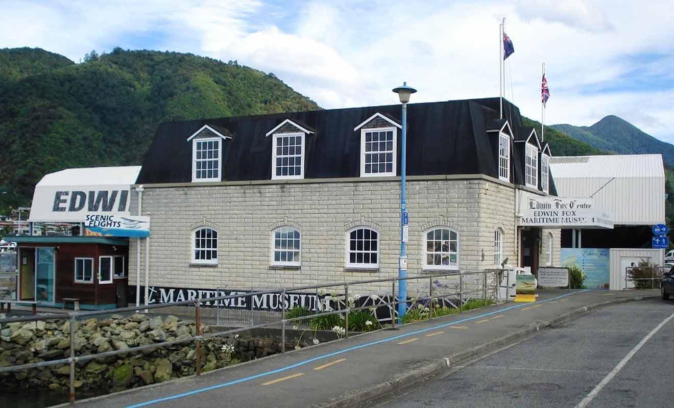 Situé entre le centre-ville et le port, le musée Edwin Fox est parfait pour tuer le temps avant une traversée.