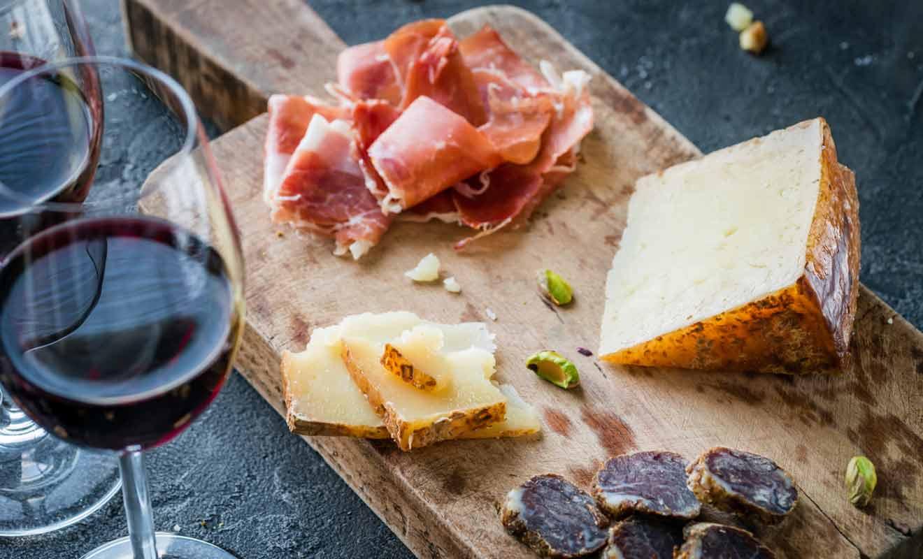 S'il est possible de se contenter du trajet en train, il vaut mieux payer le supplément pour participer à une dégustation de vins à Blenheim.