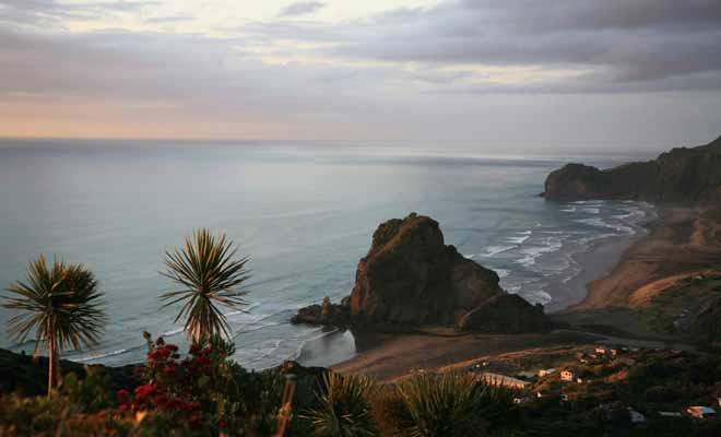 La leçon de piano qui a obtenu une palme d'or au festival de cannes fut tourné sur la plage de Piha non loin d'Auckland.
