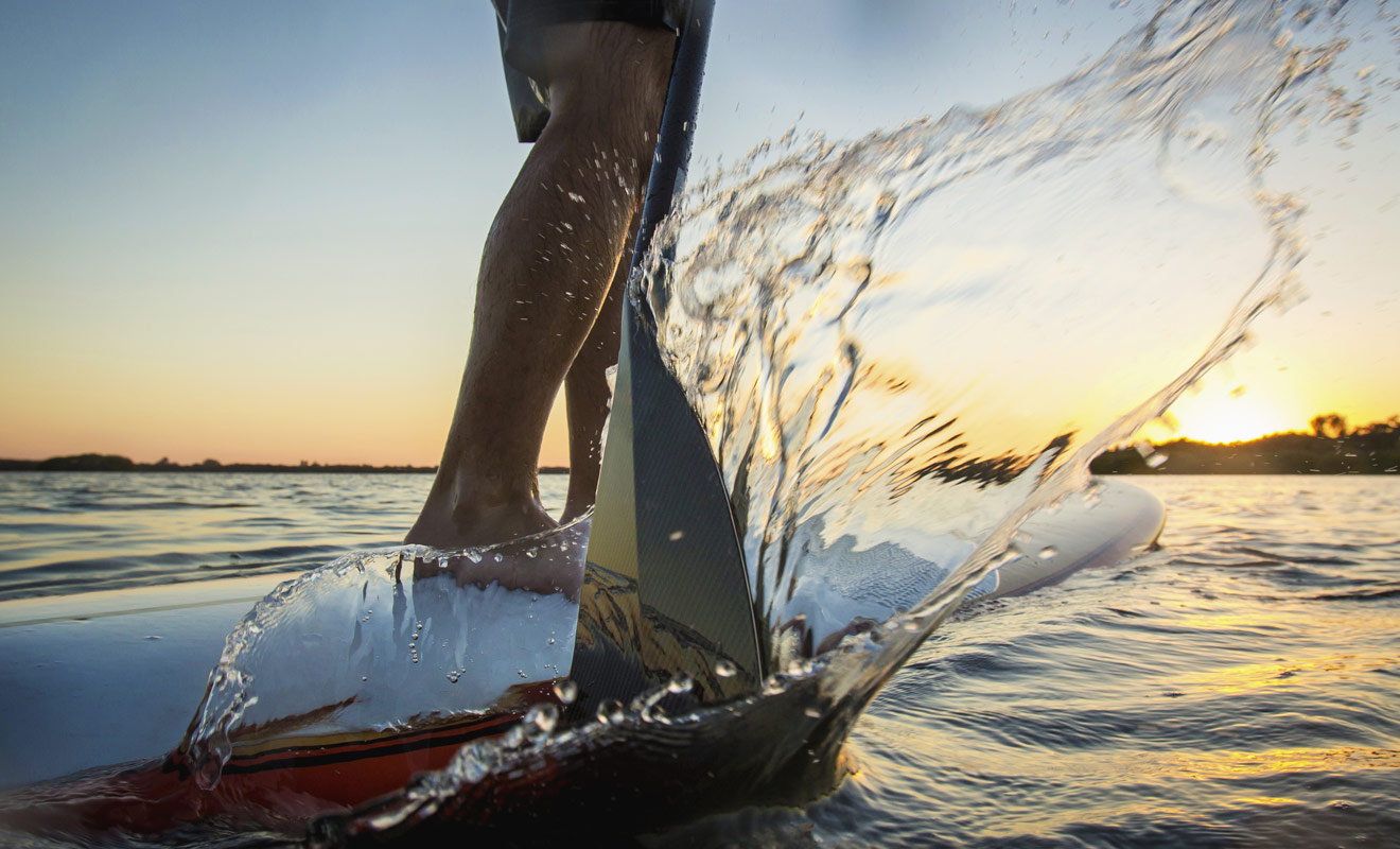 Le standup paddle est une discipline encore toute récente en Nouvelle-Zélande, mais elle est de plus en plus populaire et ne demande pas beaucoup d'apprentissage.