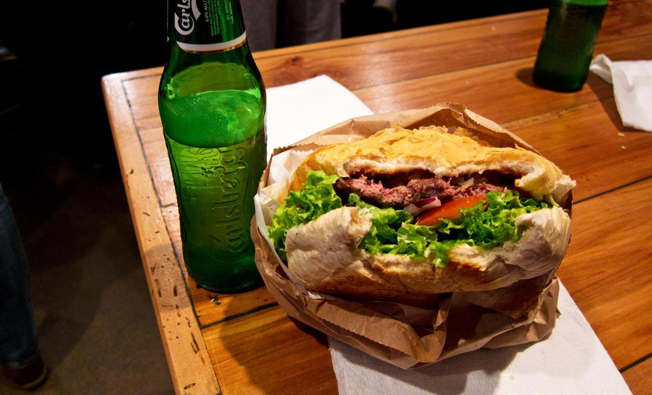 Les ingrédients qui composent les Fergburgers sont frais, à commencer par le pain qui est fait sur place. Rien à voir avec un quelconque fast-food. Qui a dit que le hamburger n'était pas synonyme de gastronomie ?