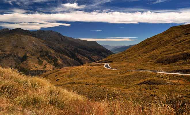 Queenstown et ses environs ont accueilli le tournage des deux trilogies de l'anneau. Le lac Wakatipu mais aussi les reliefs environnants figurent dans les films de Peter Jackson.