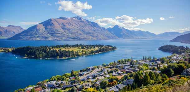 La ville de Queenstown est située sur l'Île du Sud de la Nouvelle-Zélande. Elle a la réputation méritée d'être la capitale mondiale de l'aventure.