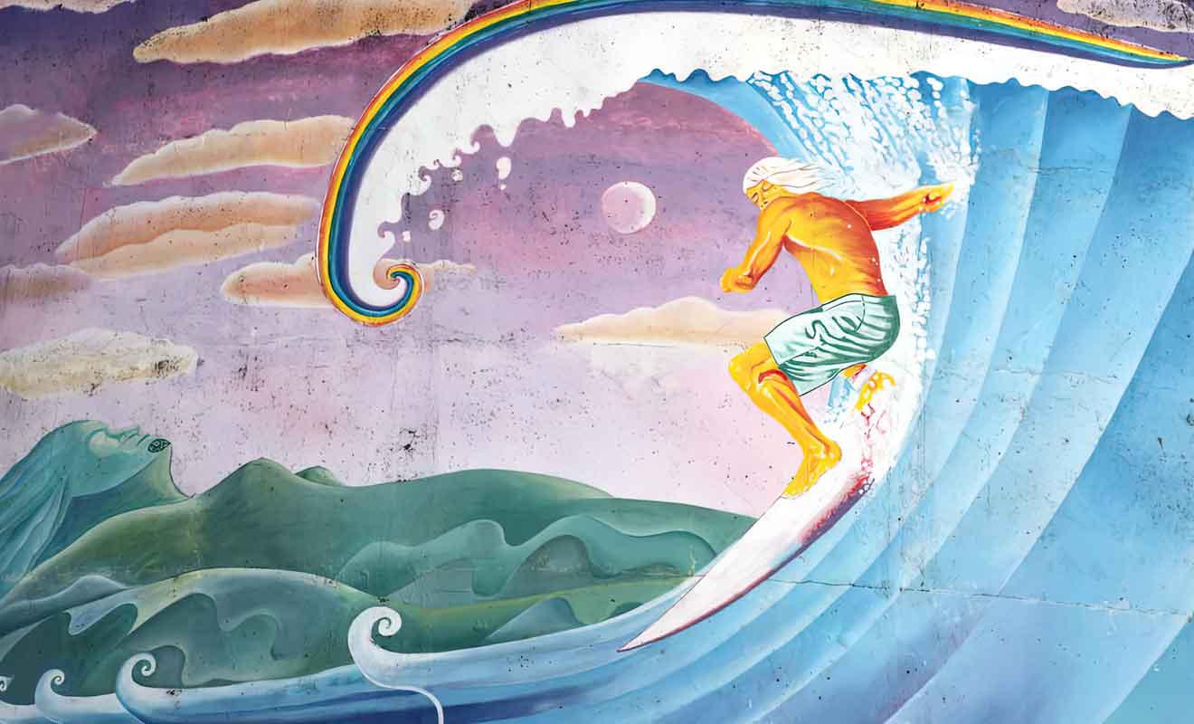Initiez-vous au surf à Raglan comme de nombreux visiteurs avant vous.