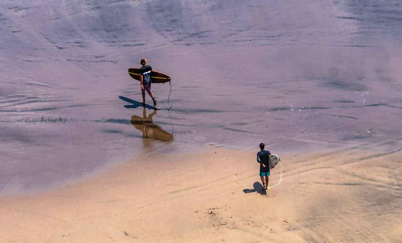 La pratique du surf ne s'improvise pas et requiert un apprentissage.