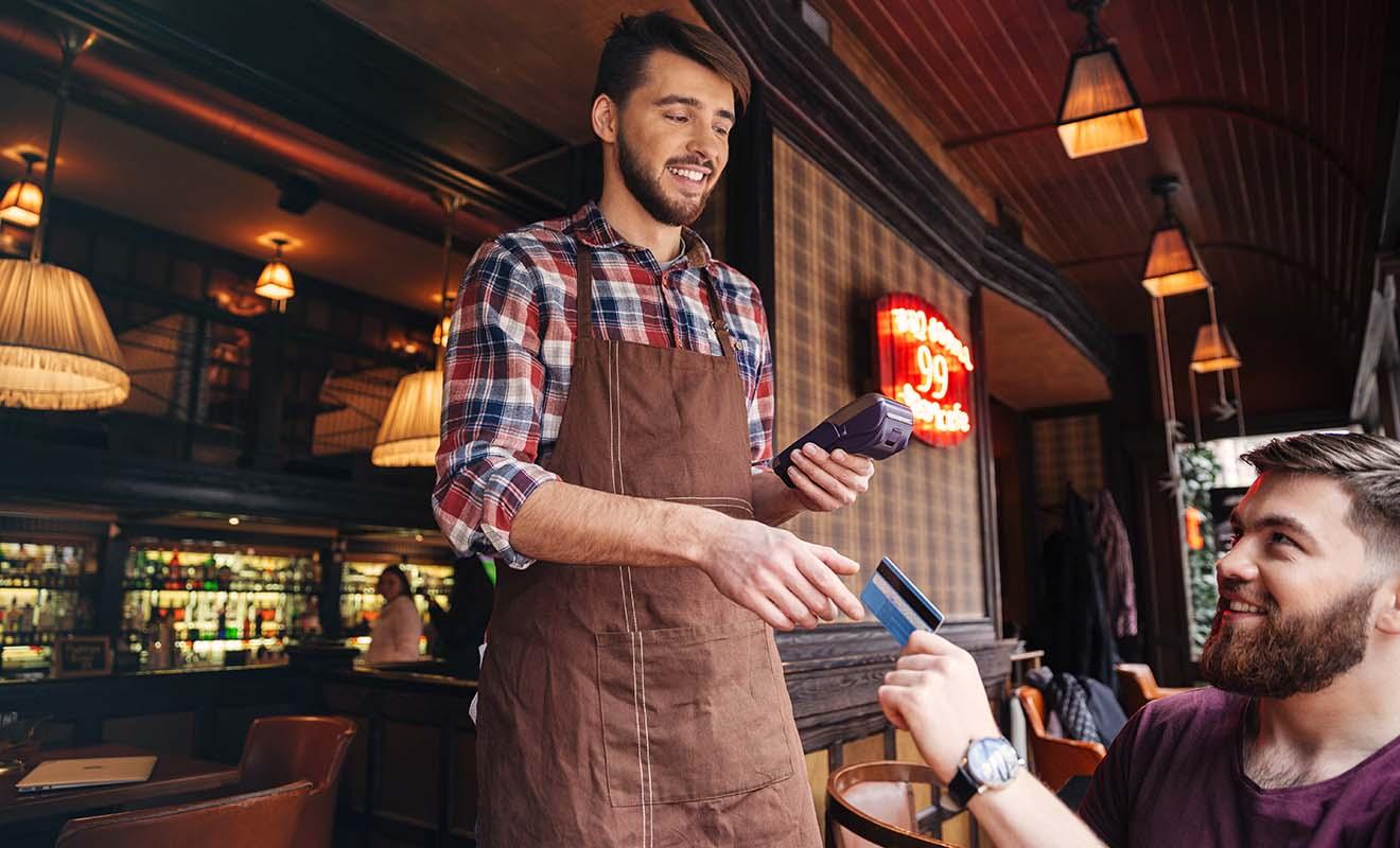 Même si quelques incompréhensions sont à prévoir, commander un plat dans un restaurant ne présente aucune difficulté.
