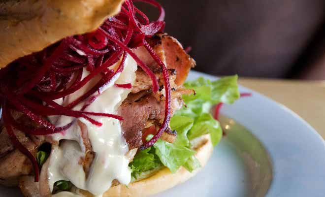 The Fat Dog is a Rotorua restaurant located in the city center not far from the lake. A delicious grilled lamb burger is served here.