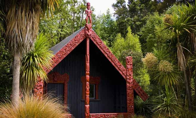 Le village du mont Tarawera a été enseveli sous les cendres d'une éruption volcanique en 1886. Le village est aujourd'hui une sorte de Pompéi néo-zélandais que l'on peut visiter.