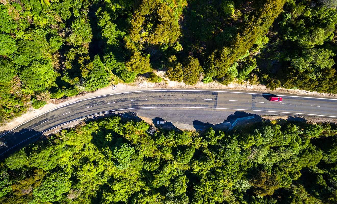 Si l'on excepte les grandes villes aux heures de pointes (sorties de bureau), le trafic n'est pas embouteillé sur les routes de Nouvelle-Zélande.
