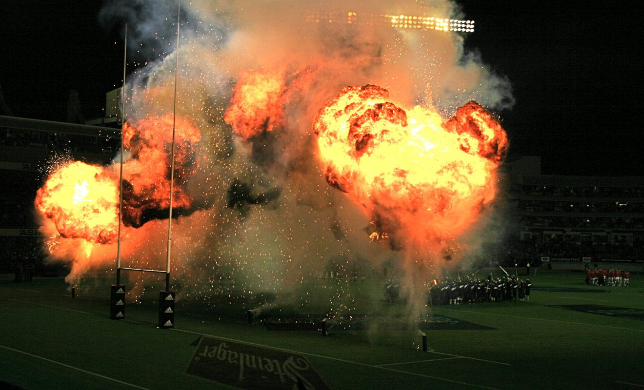 Le Rugby en Nouvelle-Zélande est plus qu'un sport, c'est une passion dévorante qui se développe durant l'enfance et qui occupe une grande partie des loisirs des Néo-Zélandais.