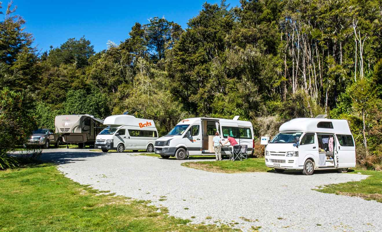 Les campings de Kerr Bay et de West Bay sont parfaits pour les visiteurs qui circulent en camping-car.