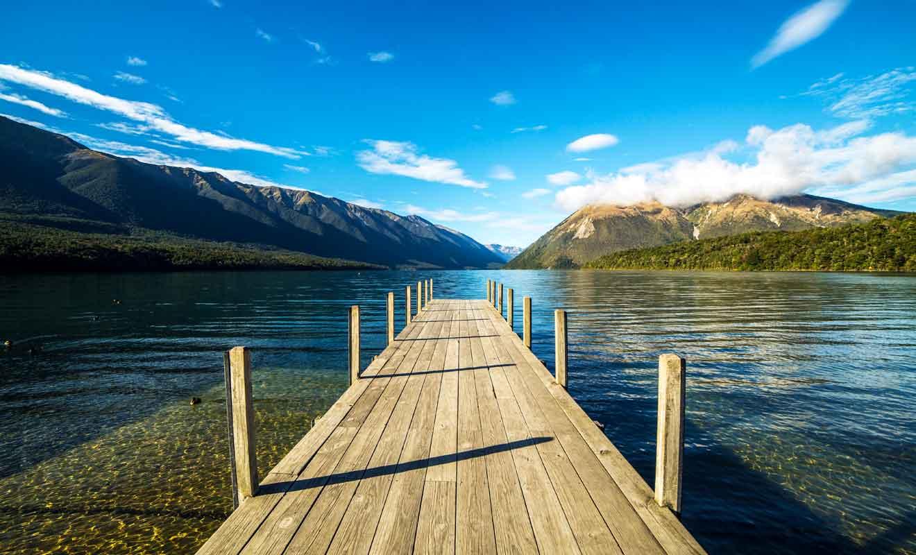 Le lac Rotoiti n'est pas visible depuis la route et de nombreux voyageurs passent à proximité sans s'arrêter.