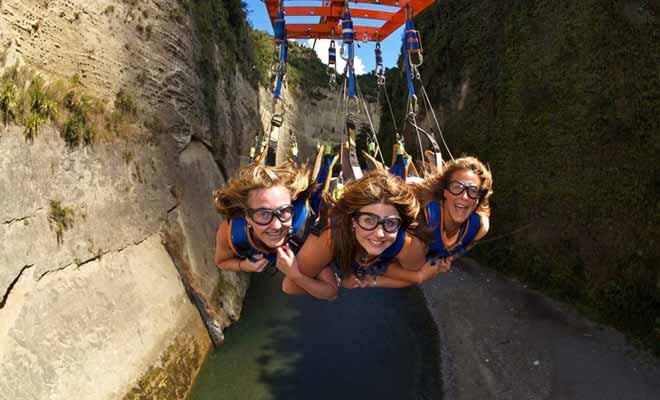 Le Mokai Gravity Canyon est une autre variante de la Tyrolienne (zipline en anglais), qui se pratique jusqu'à trois personnes en même temps. L'expérience est plus amusante qu'effrayante et tire son succès en partie de la beauté du canyon ou se déroule l'activité.