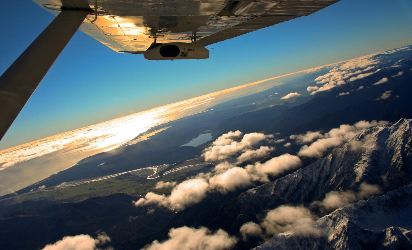 Si vous décidez de payer un petit supplément, l'intégralité de votre expérience peut être filmée, depuis la montée dans l'avion jusqu'au retour sur la terre ferme.