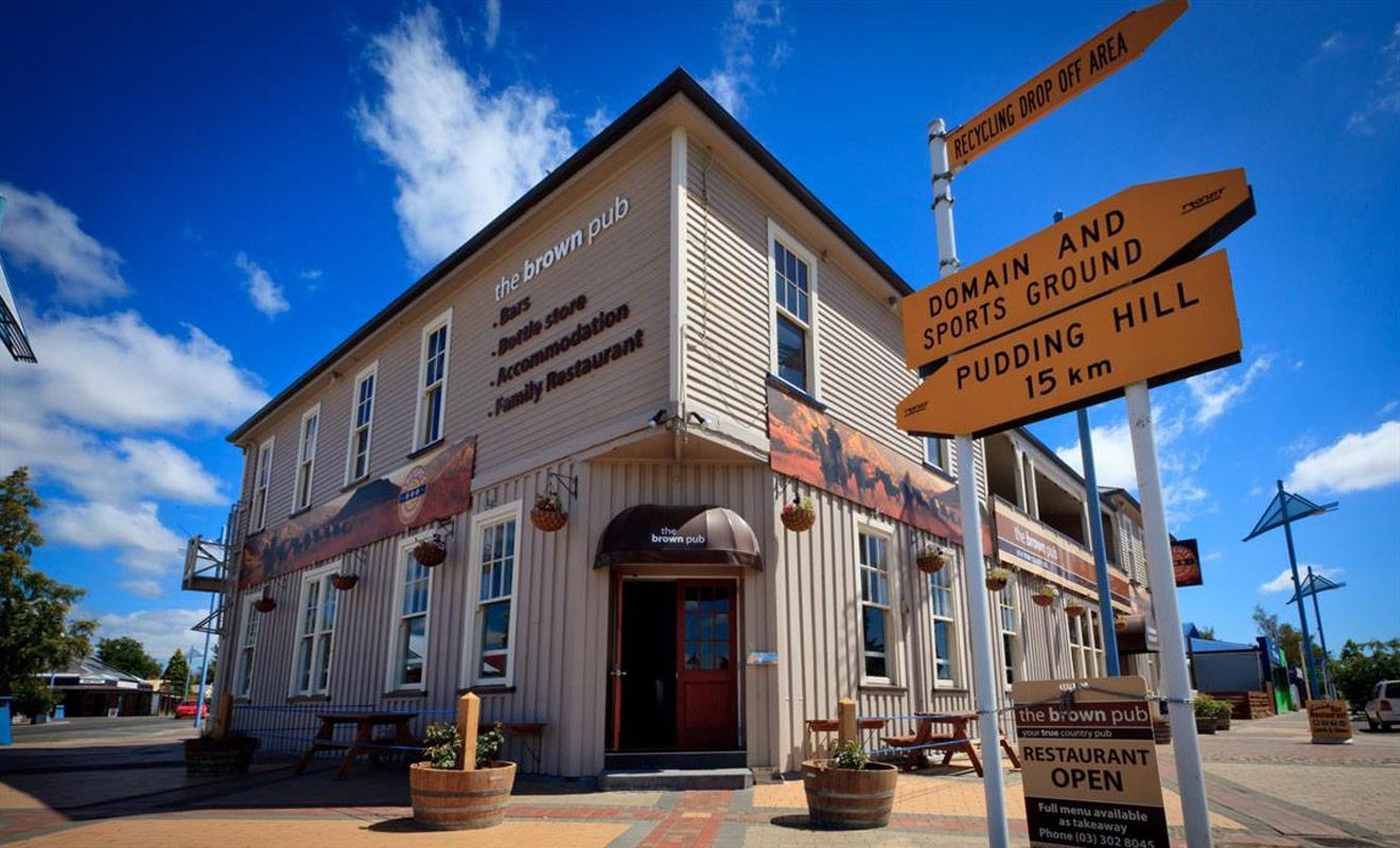 La meilleure solution pour se loger si l'on ski au mont Hutt consiste à réserver un hôtel dans le village de Methven situé à environ 25 km.