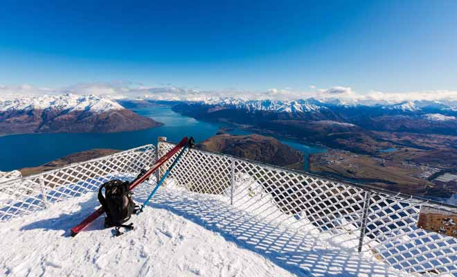 La Nouvelle-Zélande possède des domaines skiables, qui à défaut d'être aussi grand qu'en Europe, sont peut-être les plus spectaculaires au monde.