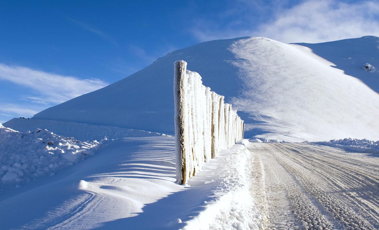Le seul véritable problème avec les stations de ski du pays concerne leur facilité d'accès qui n'est pas exemplaire avec beaucoup de gravel roads en fin d'ascension. Il faudra prévoir d'équiper votre voiture avec des chaînes.