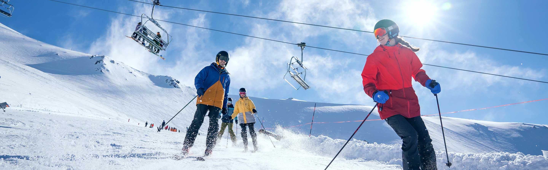 Skiez dans des paysages extraordinaires en Nouvelle-Zélande.