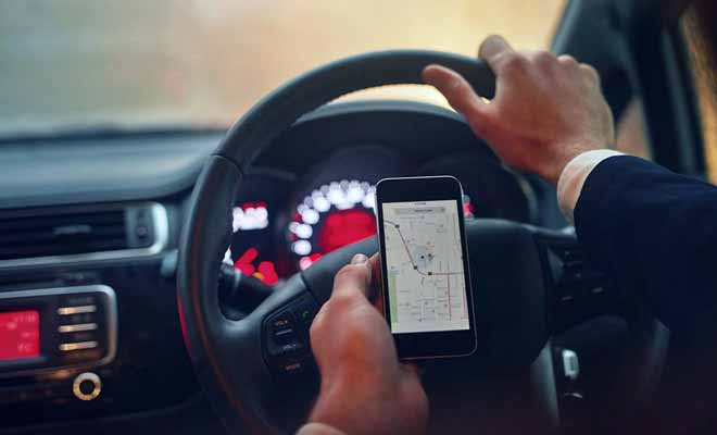 Le GPS est recommandé pour conduire, tandis que Campermate permet de préparer son séjour plus en détail.
