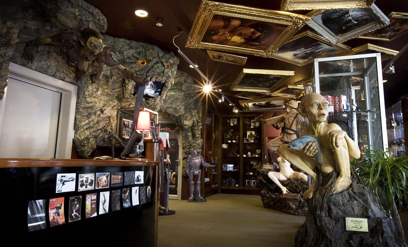 Vous pouvez acheter des reproductions de l'anneau de Sauron dans la boutique Weta Cave de Peter Jackson.