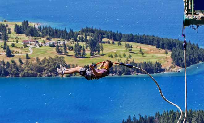 Il y a les activités gratuites qui se comptent par milliers et puis il y a les activités payantes, avec les visites guidées et les sports extrêmes comme le saut en parachute ou à l'élastique. C'est peut-être le seul vrai reproche que l'on pourrait faire à la Nouvelle-Zélande : les activités payantes coûtent assez cher, même si on en a pour son argent.