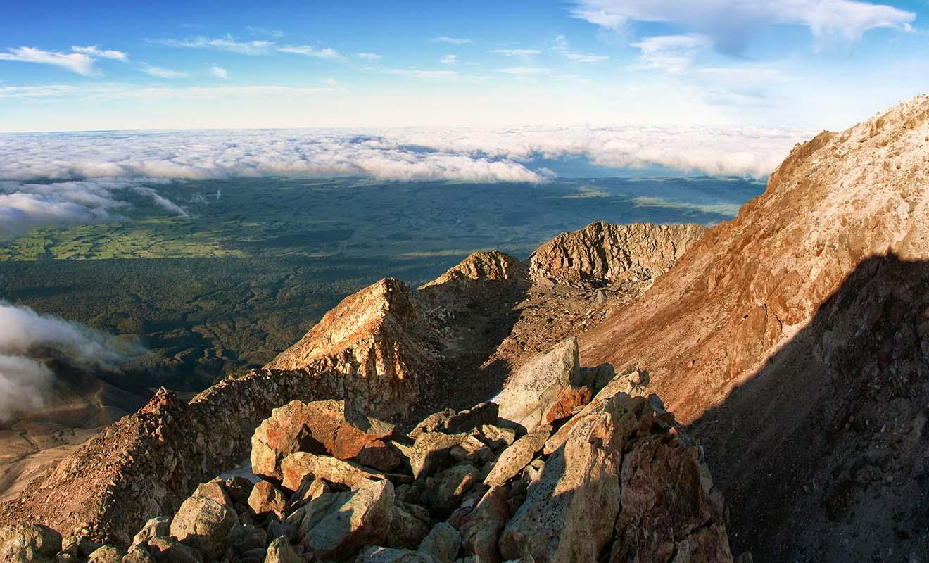 Le panorama au sommet du mont Taranaki est exceptionnel, mais l'ascension n'est pas sans risque et Kiwipal vous recommande la présence d'un guide expert.