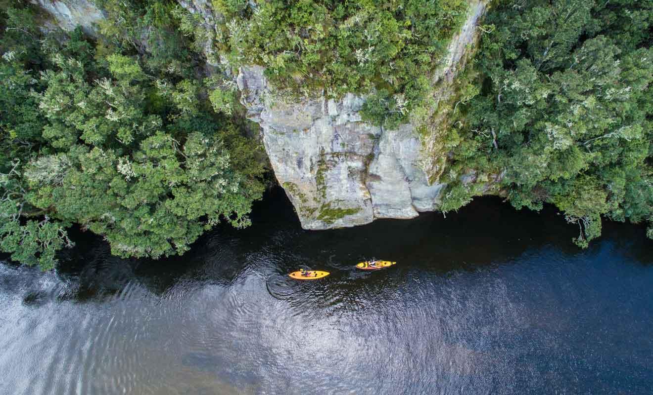 Le trajet en kayak part d'Acacia Bay.