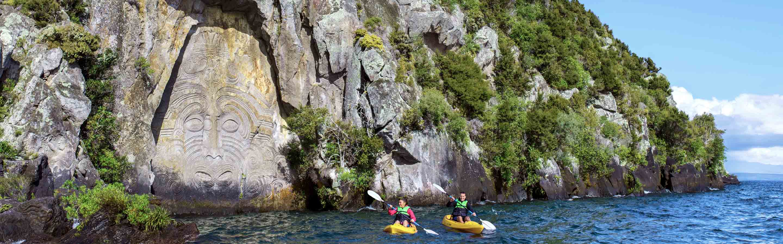 Spécialisé dans les cures thermales, le village de Taupo se trouve sur les rives du plus grand lac du pays.