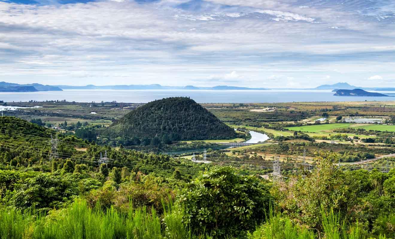 La dernière éruption du volcan a recouvert de cendre l'île du Nord.