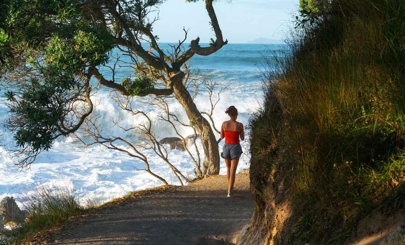 Le sentier est facile à suivre, mais ne vous aventurez pas dans les rochers par mauvais temps.