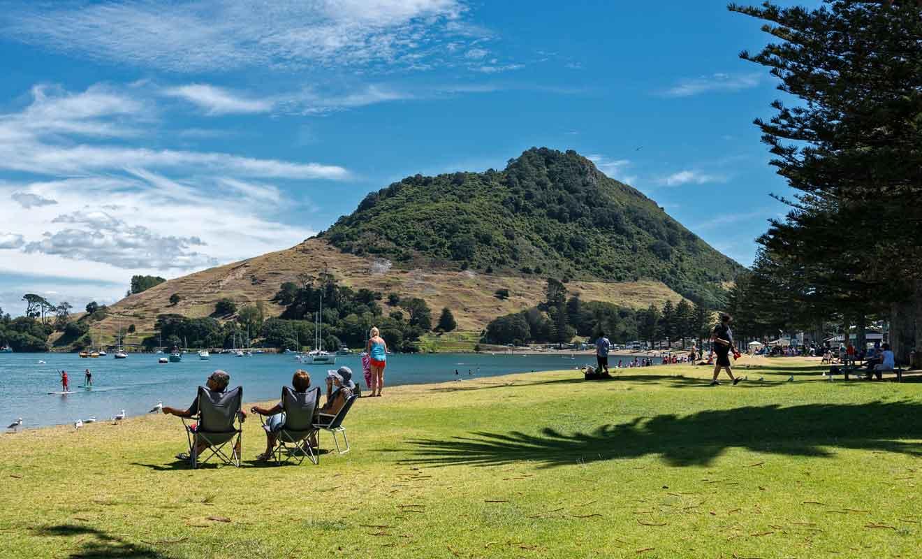 Tauranga est célèbre pour son volcan et ses belles plages de sable fin.
